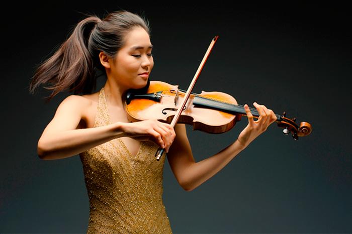 violinist Esther Yoo