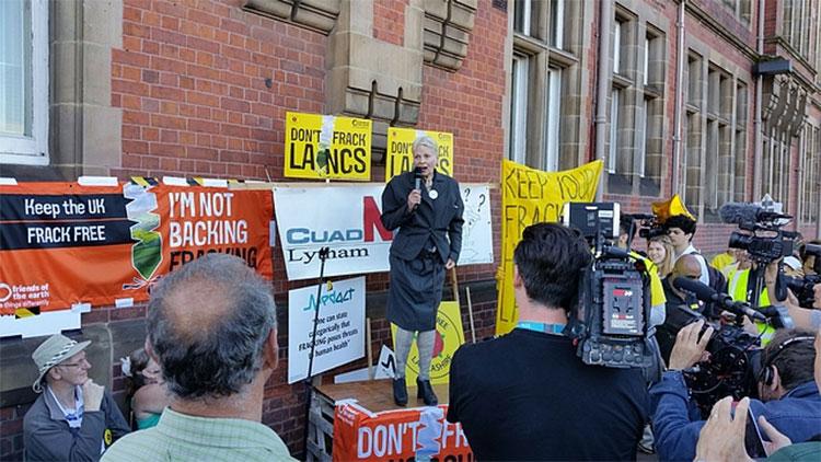 lancashire-fracking-vivienne-town-hall