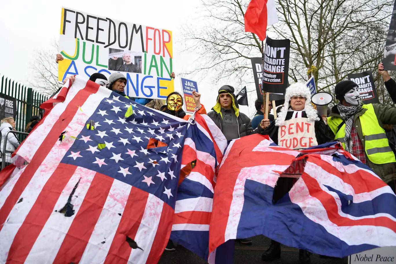 assange-belmarsh-protest-01