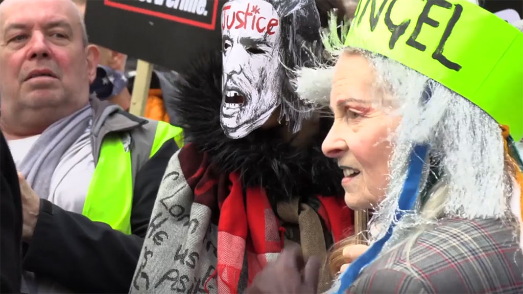 vivienne-assange-march