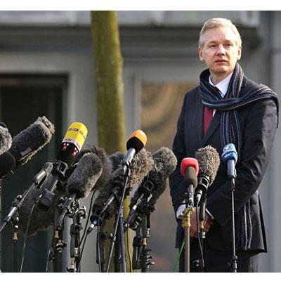 Assange-Spiegel-2-400x400